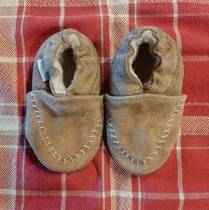 Leather fleece lined baby moccasins